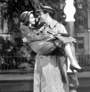 Vivien-Leigh-and-Robert-Taylor-in-Waterloo-Bridge-1940-4
