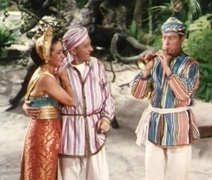 Dorothy_Lamour,_Bing_Crosby_and_Bob_Hope_in_Road_to_Bali